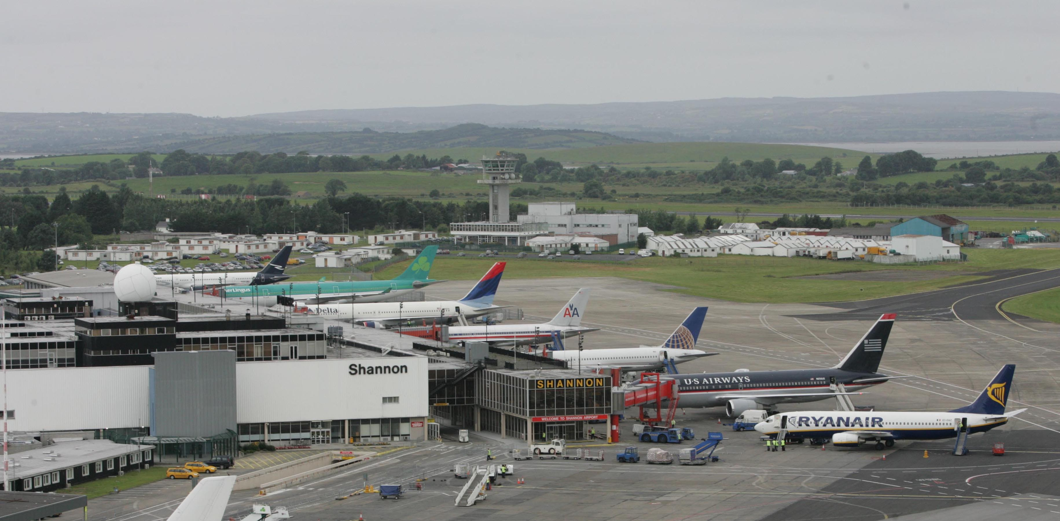 Shannon airport ireland images, stock photos vectors